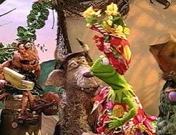 Kermit.carmenmiranda
