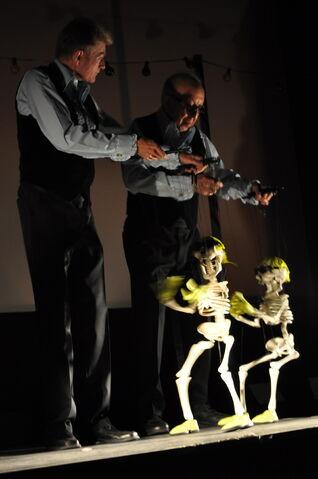 File:ReneSkeletons.jpg