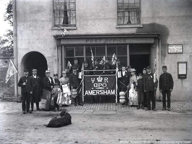 File:1887 - Queen Victoria's Jubilee, Amersham Post Office (9045).jpg