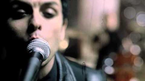 "Green Day ""Boulevard Of Broken Dreams"" - Official Video-2"
