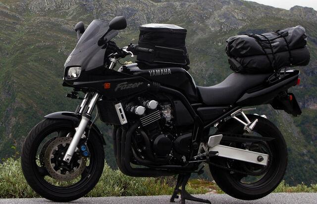 File:Yamaha FZS 600 (26).jpg
