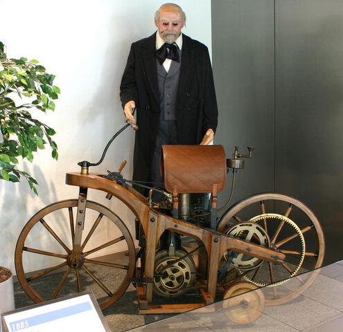 File:Old motorcycle.jpg