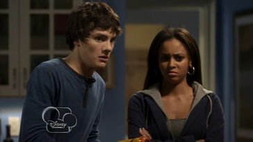 My-babysitters-a-vampire--village-of-the-darned--206--wait-for-it--vanessa-morgan--matthew-knight