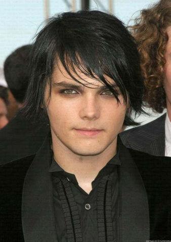 File:Gerard Way.jpg