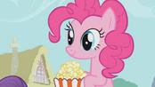 Pinkie Pie eating popcorns S01E04
