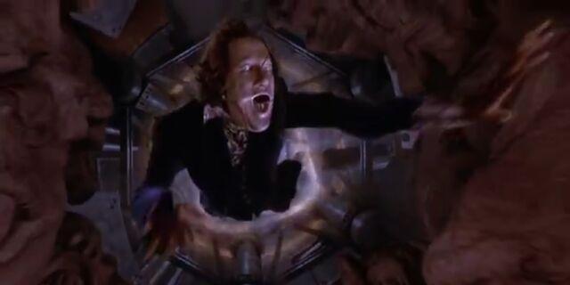 File:Casanova Frankenstein being killed by the Psycho-frakulator.jpg