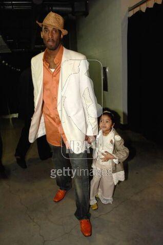 File:Kobe and little Natalia walk to the game.jpg