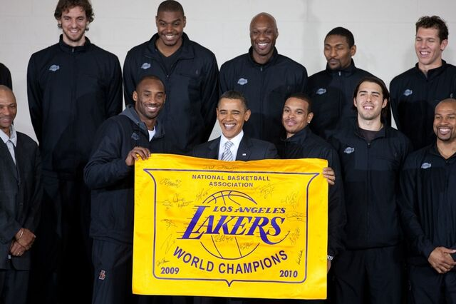 File:2010 NBA Champion Los Angeles Lakers with President Obama.jpg