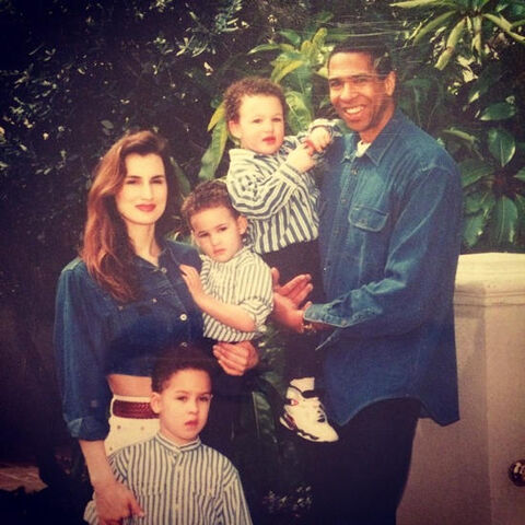 File:Klay-Thompson-With-his-Family.jpg