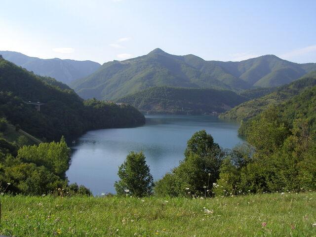 File:Jablaničko jezero (Slatina, Lizoperci) - 1919588.jpg