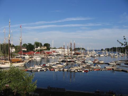 File:Harbor.jpg
