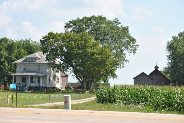 File:Man-of-steel-farm-house2.jpg