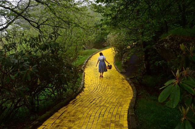 File:Wizard of Oz poster.png
