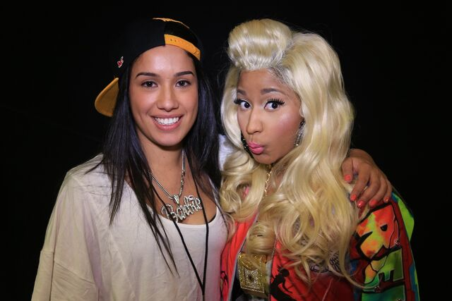 File:MeetAndGreet Melbourne Nicki Barbz3.jpg