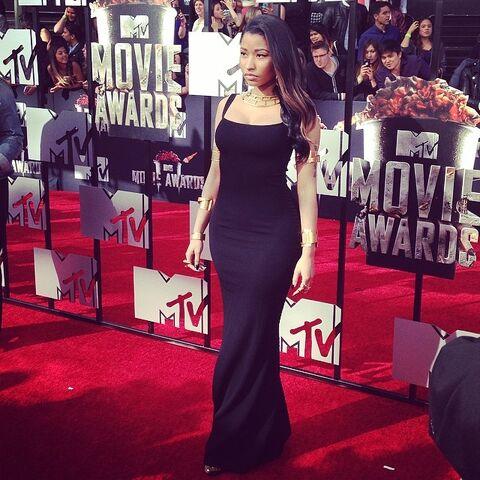 File:Nicki movie award 4.jpg