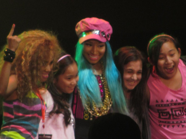 File:Nicki minaj in manila 3.jpg