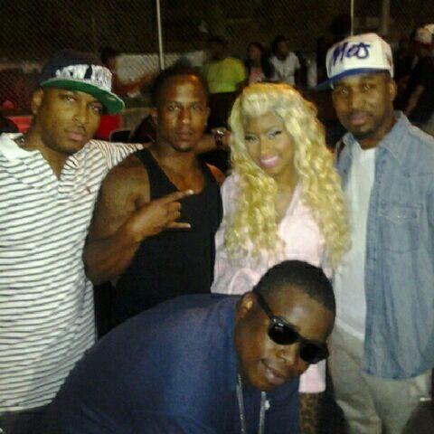 File:Nicki Minaj and the gang.jpg