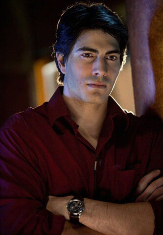 File:Brandon routh-crooked arrows-2.jpg