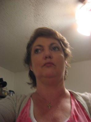 File:Linda Selfie.jpg