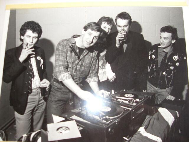 File:Punks.. spinney youth club spring 77.JPG