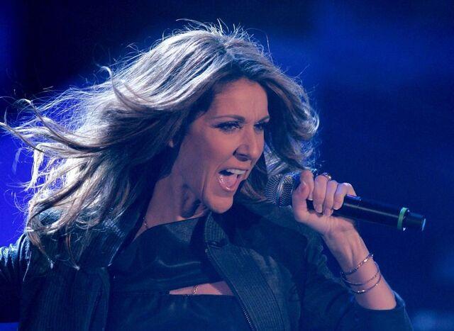 File:Celine-Dion-Live-Vegas-Caesars-Palace.jpg