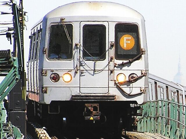 File:RailCarCoupler.H2Cx~Pic1.JPG