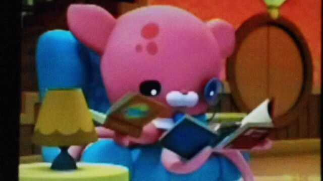 File:Inkling looking at books.jpeg
