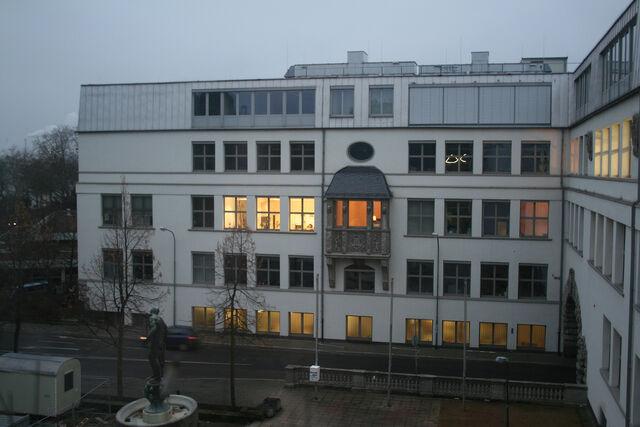 Datei:HfG und Ludo Meyer Platz.jpg