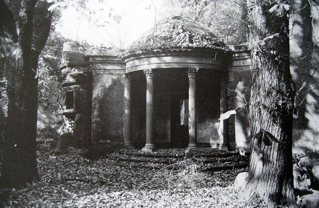Datei:Lili Tempel 1890.jpg