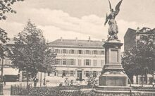 Kriegerdenkmal aliceplatz4a.JPG
