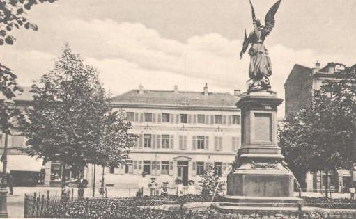 Datei:Kriegerdenkmal aliceplatz4a.JPG