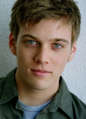 jake abel allie wood