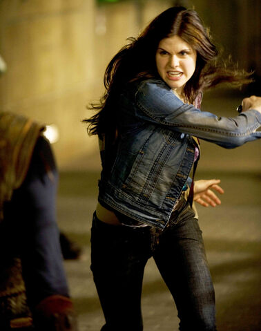File:Annabeth with knife.jpg