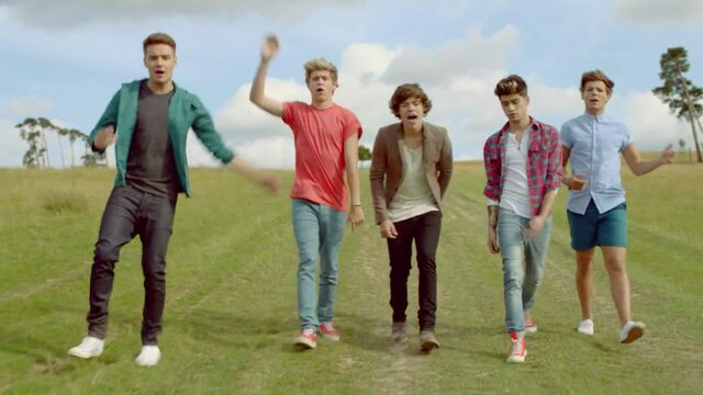 File:One-Direction-2013-Clip-Video.jpg