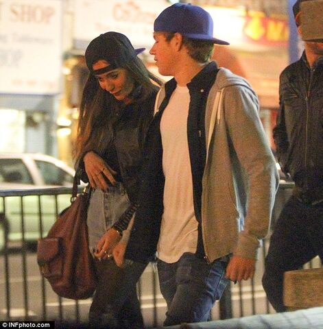 File:Niall-with-amy-1-(1).jpg
