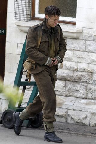 File:Harry-Styles-filming-Dunkirk (1).jpg