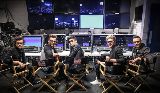 File:Photo-One-Direction-This-is-us-2013-2.jpg