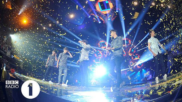 File:Radio 1 Teen Awards Stage.jpg