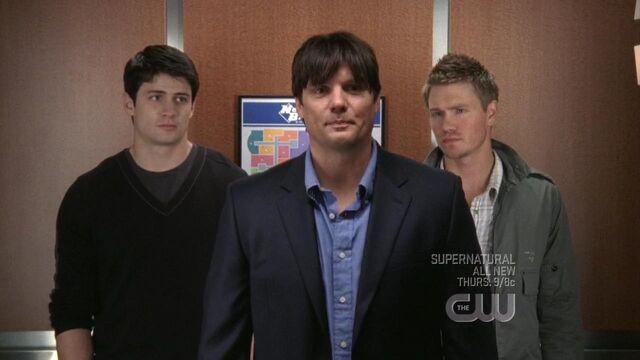 File:514 dan gets in elevator.jpg