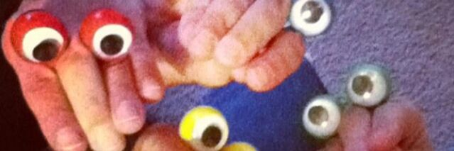 File:Oobi Hand Puppet Troy Twitter Banner.jpg