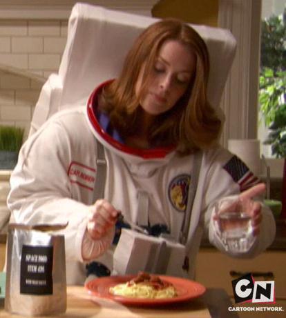 File:Louisa Roberts using space food.jpg