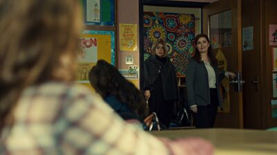 Orphan Black - 502 - Clutch of Greed 5120