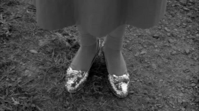 File:Silver Shoes 5.jpg