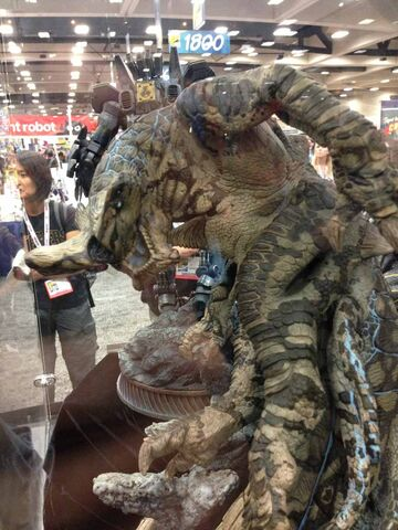 File:Slattern (Sideshow Collectibles) SDCC13 Display.jpg