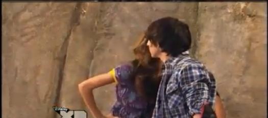 File:Mikayla kisses brady.png