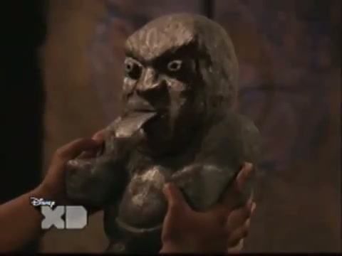 File:Pair Of Kings S01E19 The Trouble With Doubles Part 1 130.jpg