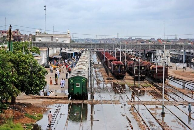 File:Pakistan Hyderabad Station 001.jpg