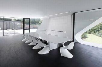 Pantone-chair-ultramodern-dining-table
