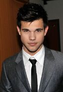 Taylor lautner as unknown (aka mark anthony)