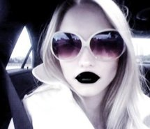 File:Black-lips-black-lipstick-ivy-rose-levan-model-pale-162041.jpg